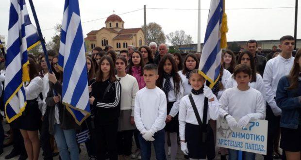 1da750dedfd Ξεκίνησαν οι εορταστικές εκδηλώσεις για την 25η Μαρτίου. Ξεκίνησαν στα  Τρίκαλα ...